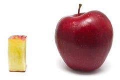 Czerwony jabłko i czerwień jabłczany kawałek Obraz Royalty Free