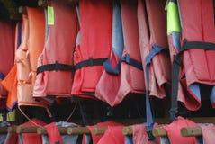 Czerwony kamizelki ratunkowej zrozumienie Obraz Royalty Free