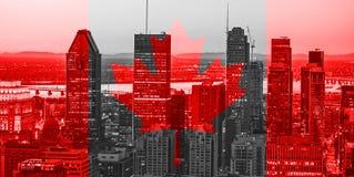 Czerwony kanadyjski symbol nad budynkami Montreal miasteczko przy Kanada świętem państwowym 1st Lipiec Kanada dnia flaga z liście ilustracja wektor