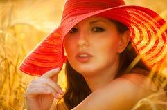 Czerwony kapeluszowy Jane Zdjęcia Royalty Free