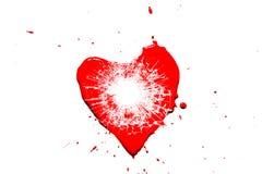 Czerwony kierowy symbol łamający w małe drzazgi szkło od strzału od krócicy z dziurą od pociska odizolowywającego obrazy royalty free