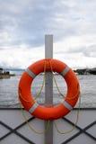 Czerwony lifebuoy na quay Obraz Stock