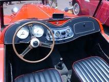 Czerwony MG TA terenówki Midget seria T pokazywał w Lima Zdjęcie Stock