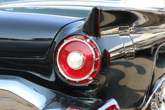 Czerwony ogonu światło na klasycznym czarnym samochodzie Zdjęcie Royalty Free