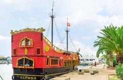 Czerwony okręt wojenny w Sousse fotografia royalty free