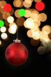 Czerwony ornamentu obwieszenie z światłami Zdjęcia Stock