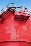 Czerwony paliwowy zbiornik z schodki obrazy royalty free