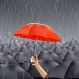Czerwony parasol Pod deszczem ilustracja wektor