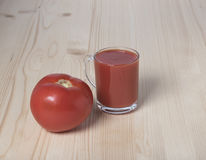 Czerwony pomidor i pomidorowy sok Obraz Royalty Free