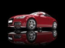 Czerwony Potężny samochód Na Czarnym tle Zdjęcie Royalty Free