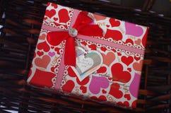 Czerwony prezent Fotografia Royalty Free