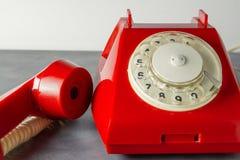 Czerwony retro telefon Zdjęcia Stock