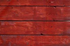 Czerwony rocznik malował drewnianego panelu z horyzontalnymi deskami Zdjęcia Stock