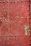 Czerwony rocznika drzwi zdjęcia royalty free