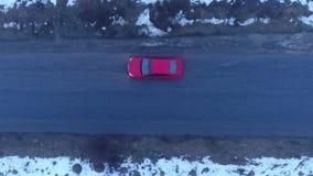 Czerwony samochodowy jeżdżenie zdjęcie wideo