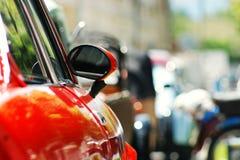 Czerwony Samochodu lustra tło Zdjęcie Royalty Free