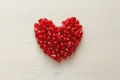Czerwony serce granaty Duży Dojrzały Czerwony Granets lub Garnets Owoc o Fotografia Stock