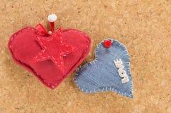 Czerwony serce i drelichu serce Zdjęcia Stock