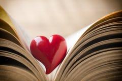 Czerwony serce książka Kartka z pozdrowieniami Obraz Stock