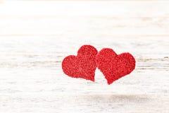 Czerwony serce kształta pławik w powietrzu zdjęcia royalty free