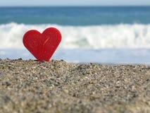 Czerwona serce plaża Zdjęcie Royalty Free