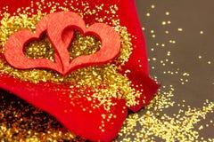 Czerwony serce na róża płatku zdjęcia royalty free