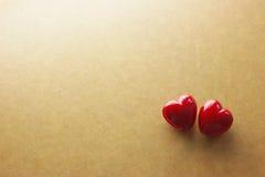 czerwony serce na rocznika papieru walentynek dniu Zdjęcia Stock