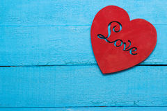 Czerwony serce na turkusowym tle Zdjęcie Royalty Free