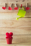 Czerwony serce w czerwonym małym zbiorniku Obraz Royalty Free