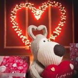 Czerwony serce z girlandą Zdjęcia Royalty Free