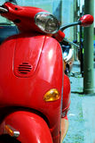 czerwony skuter Fotografia Stock