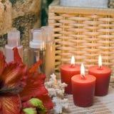 czerwony spa świece. zdjęcie royalty free