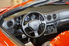 Czerwony sporta samochód robić w Itlay fotografia royalty free