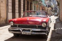 Czerwony stary samochód fotografia stock