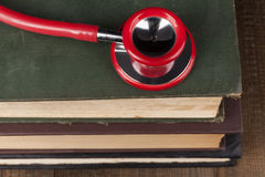 Czerwony Stethocope zbliżenie obrazy royalty free