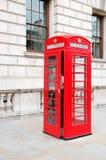 Czerwony telefoniczny budka obrazy royalty free