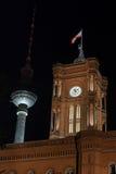 Czerwony townhall Berlin Germany przy nocą Zdjęcia Royalty Free