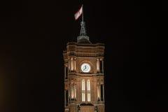 Czerwony townhall Berlin Germany przy nocą Zdjęcie Royalty Free