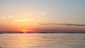 Czerwony zmierzch nad błękitnym morzem zdjęcie wideo