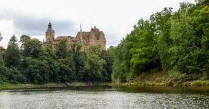 Czocha slott som lokaliseras i Sucha i Polen Fotografering för Bildbyråer