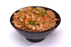 Czosnki smażący ryż odizolowywający na białym tle z ścinku klepnięciem Obraz Royalty Free