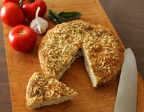 Czosnku parmesan Focaccia zielarski chleb Zdjęcia Stock
