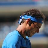 Czternaście czasu wielkiego szlema mistrzów Rafael Nadal Hiszpania z jego powozowym Tony Nadal ćwiczy dla us open 2016 Fotografia Stock