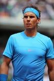 Czternaście czasu wielkiego szlema mistrzów Rafael Nadal w akci podczas jego drugi round dopasowania przy Roland Garros 2015 Obrazy Royalty Free