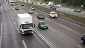 Czterotorowy Autobahn blisko Frankfurt lotniska zdjęcie wideo