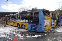 CZTERY autobusu BURNT DZISIAJ RANO Zdjęcia Royalty Free