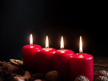 Cztery czerwonej boże narodzenie świeczki zdjęcie stock