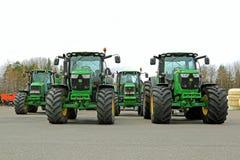 Cztery John Deere Rolniczego ciągnika na jardzie fotografia royalty free