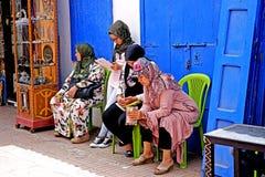 Cztery kolorowej Arabskiej kobiety w Medina Essaouira Fotografia Royalty Free