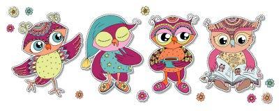 Cztery ślicznej kolorowej kreskówki sowy Obrazy Royalty Free